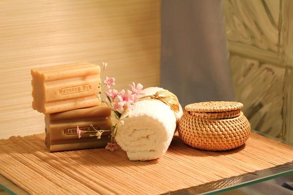 turn your bathroom into a spa with bath cosmetics