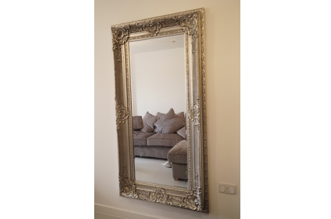 Mirror Fitting in Lewisham